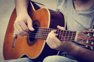 Guitar player-live music